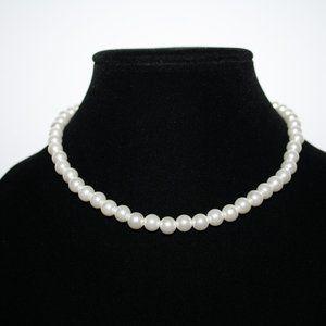 Beautiful white pearl bracelet